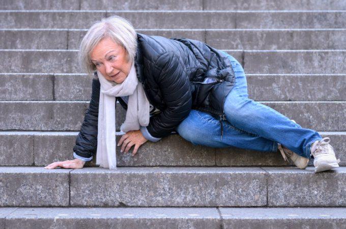 5 Tips for Elderly to Prevent Falls