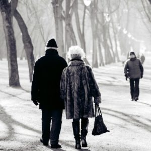 How to Keep the Elderly Warm During Cold Season